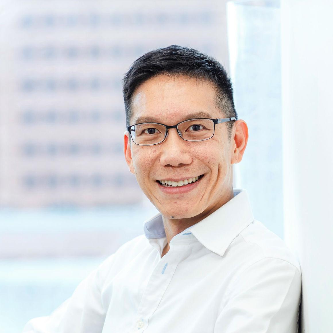 Dr. Christopher Quek